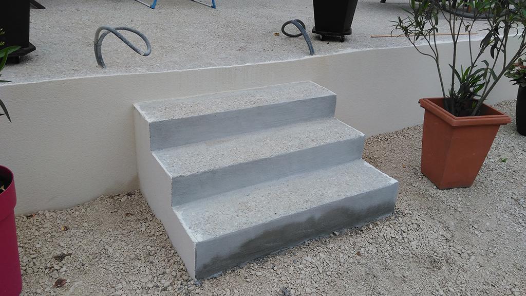 Terrasse Sur VideSanitaire En Bton Arm Avec  Escaliers  Saint